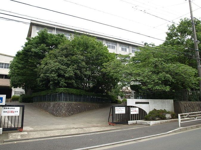 田奈高等学校外観画像