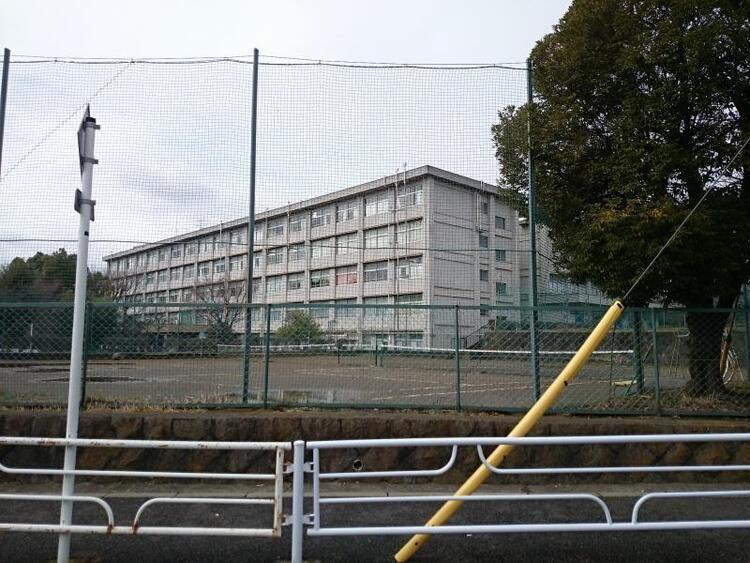 田奈高等学校画像