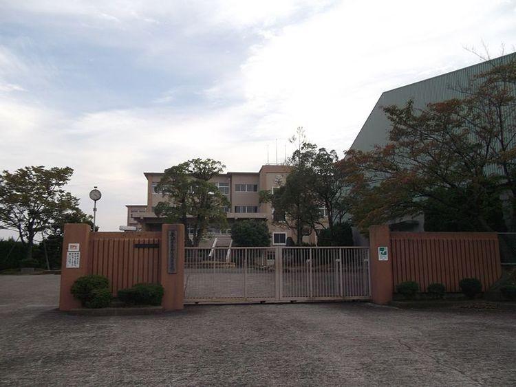 南陽高等学校画像
