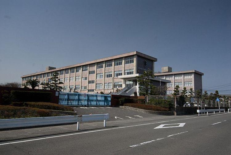 西春高等学校画像