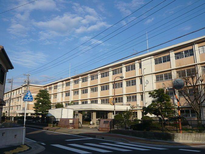 岐阜商業高等学校外観画像