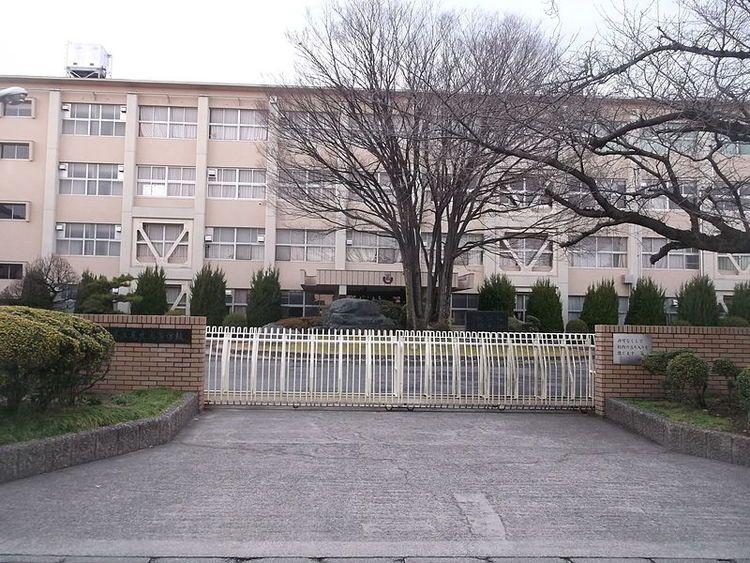尾北高等学校画像
