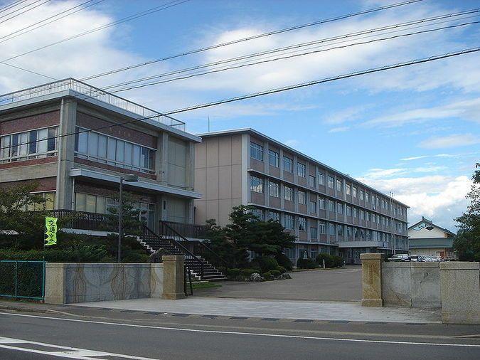 関高等学校外観画像