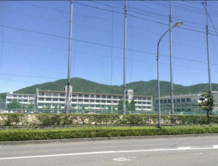 長良高等学校画像