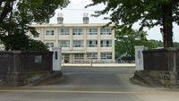 岡富中学校