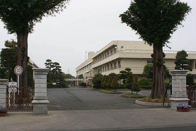 伊勢崎興陽高等学校外観画像