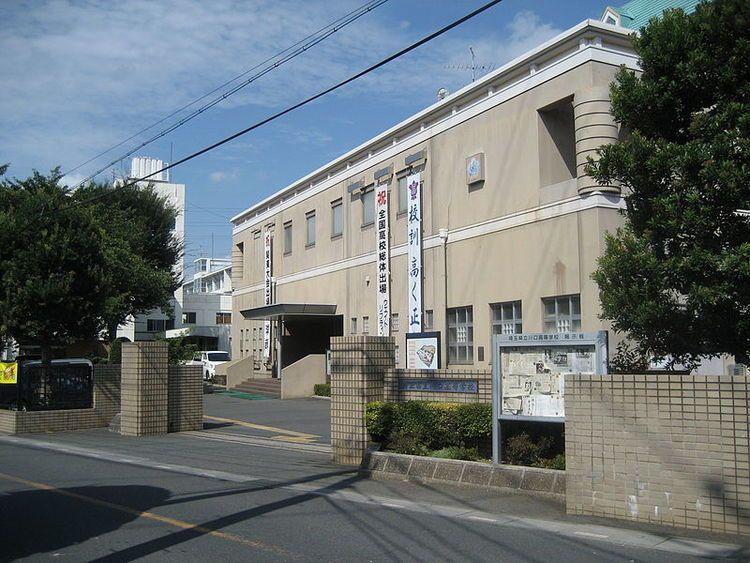 川口高等学校画像