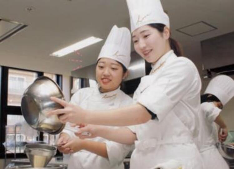 光塩学園調理製菓専門学校画像