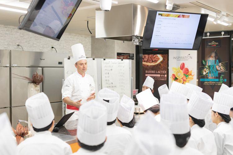 札幌ベルエポック製菓調理ウェディング専門学校画像
