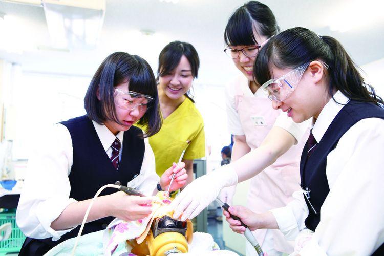 北海道医療大学歯学部附属歯科衛生士専門学校画像