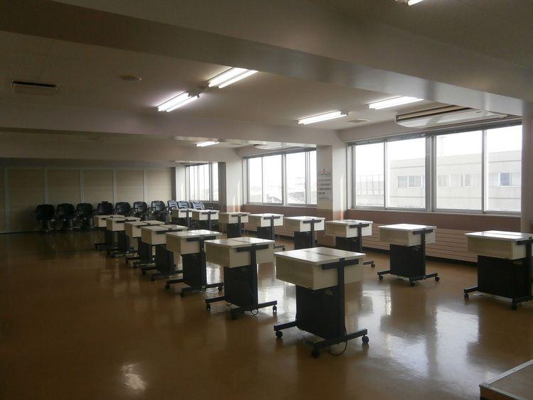 青森県ヘアアーチスト専門学校画像