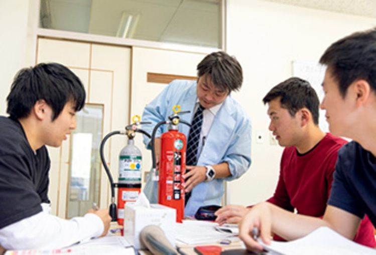 仙台総合ビジネス公務員専門学校画像