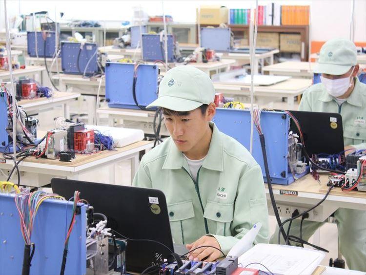 日立工業専修学校画像