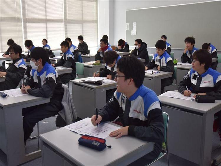 専門学校日産栃木自動車大学校画像