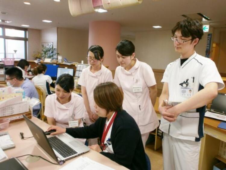 東群馬看護専門学校画像