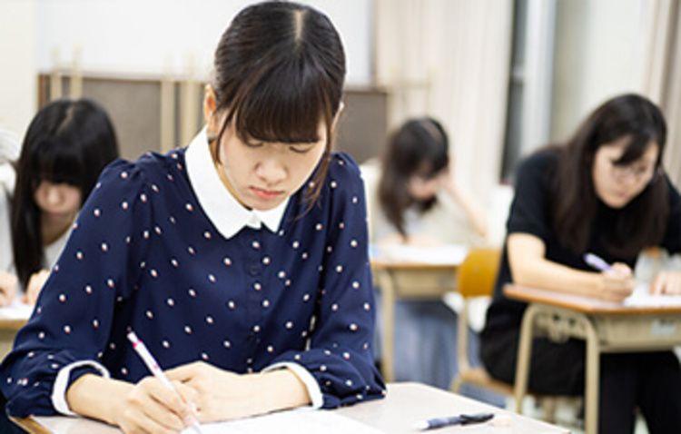 浦和専門学校画像