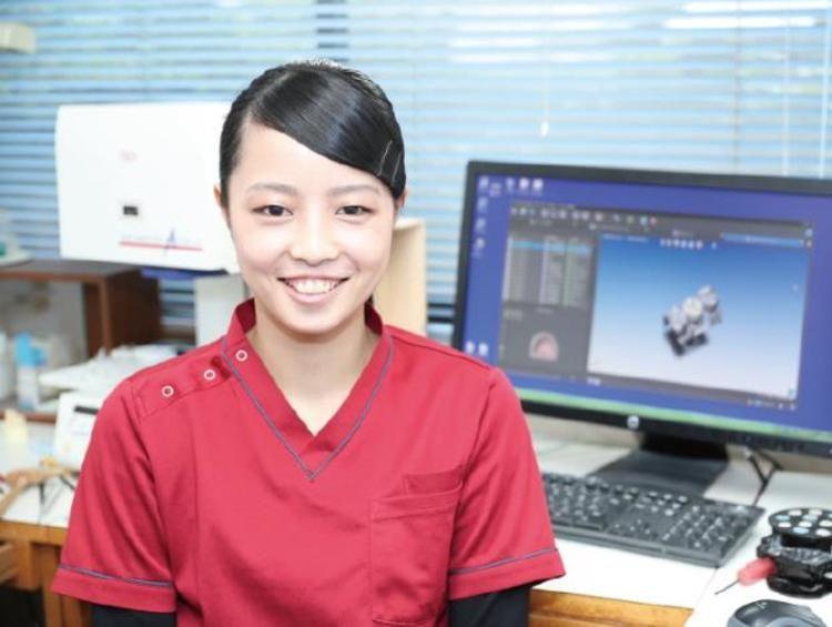 埼玉歯科技工士専門学校画像