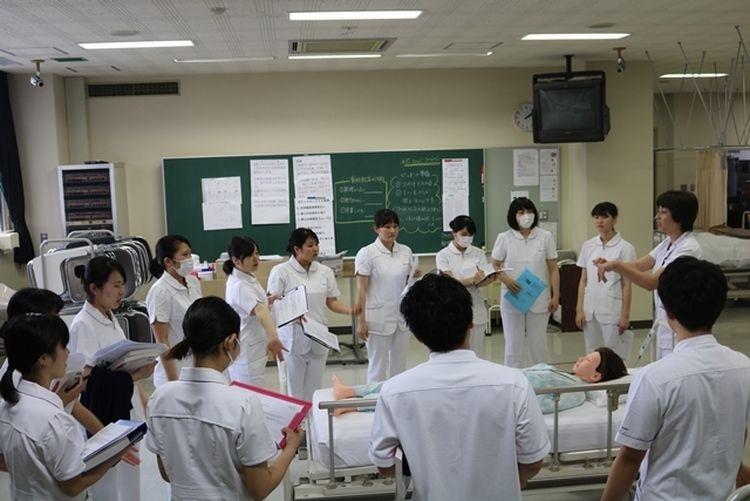 旭中央病院附属看護専門学校画像