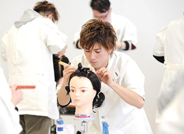 パリ総合美容専門学校柏校画像
