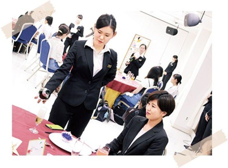 東京観光専門学校画像