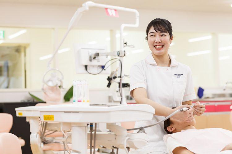 新東京歯科衛生士学校画像