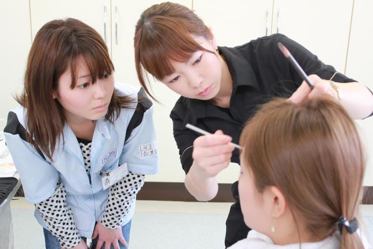 住田美容専門学校画像