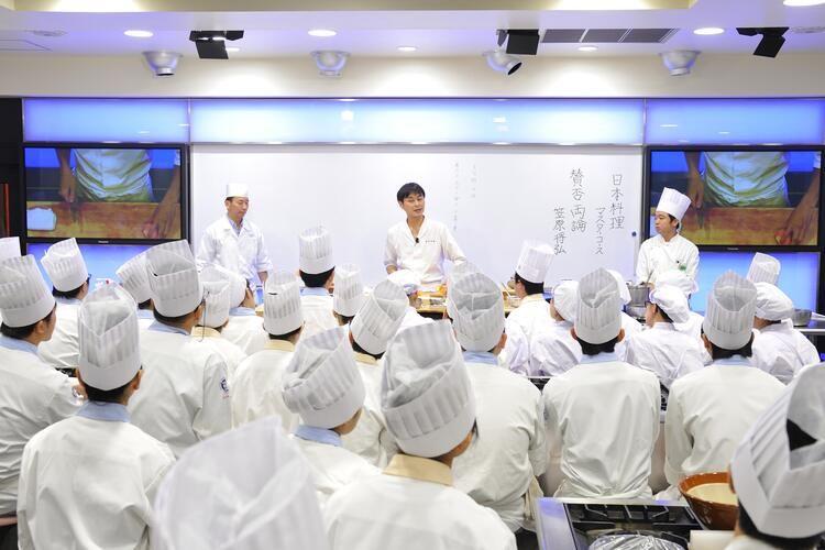 服部栄養専門学校画像