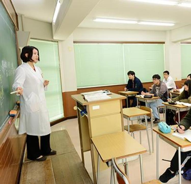 織田調理師専門学校画像