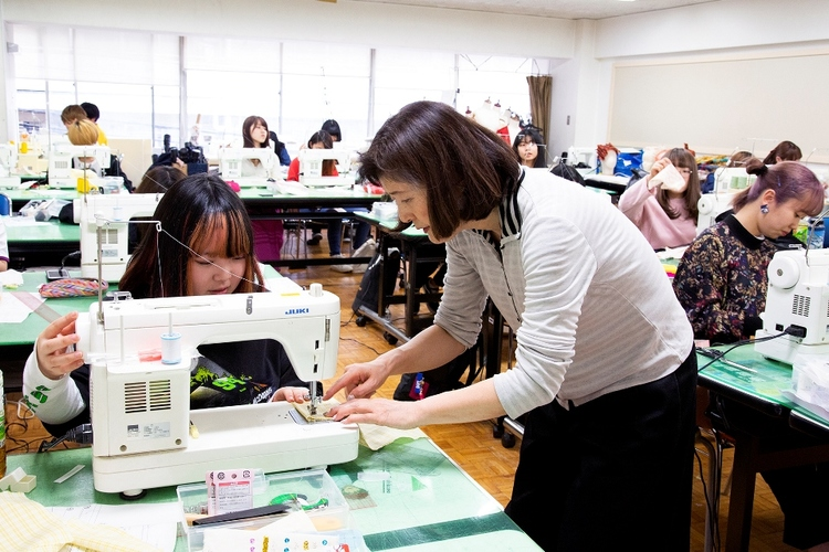 東京服飾専門学校画像