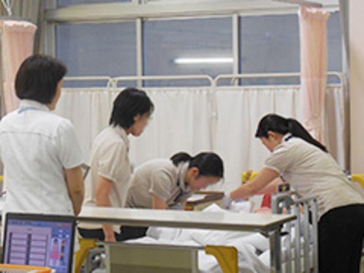 東京女子医科大学看護専門学校画像