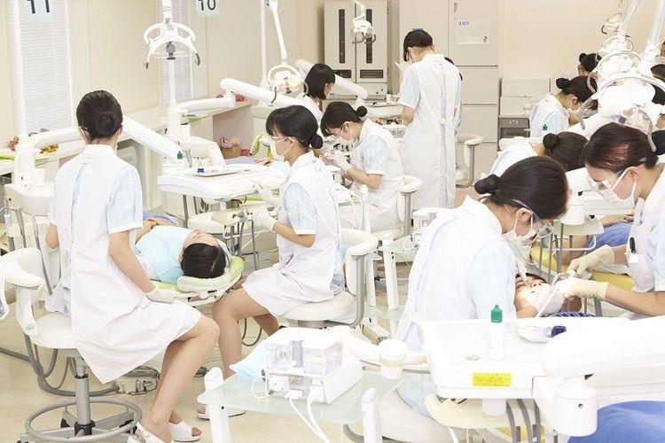 太陽歯科衛生士専門学校画像