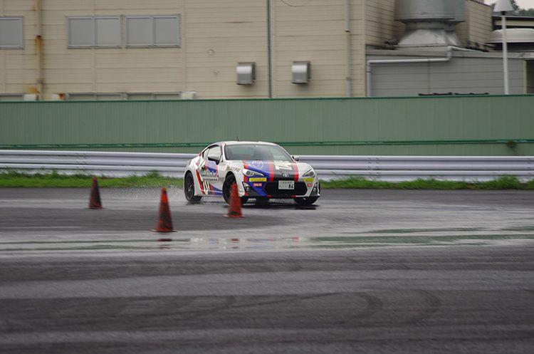 専門学校東京自動車大学校画像