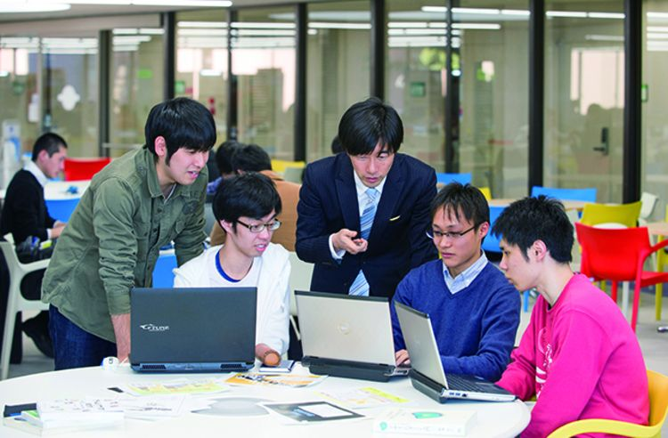 日本工学院八王子専門学校画像