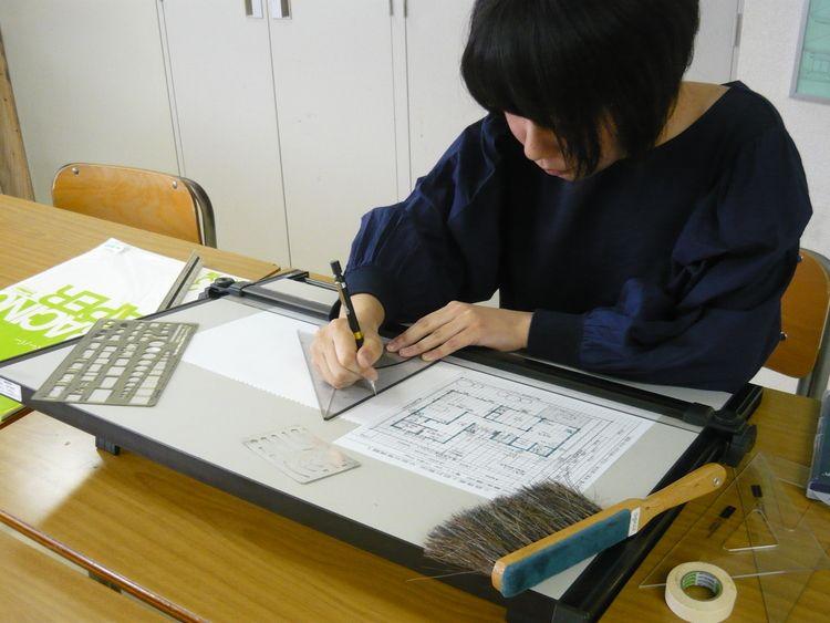 町田デザイン&建築専門学校画像