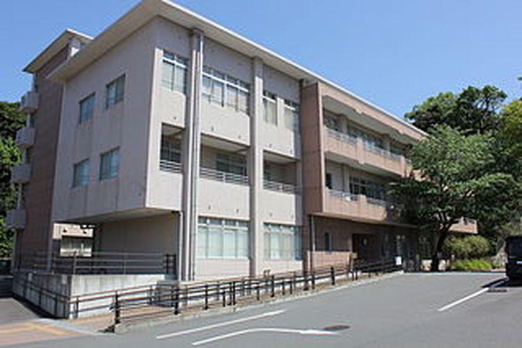 横須賀市立看護専門学校画像