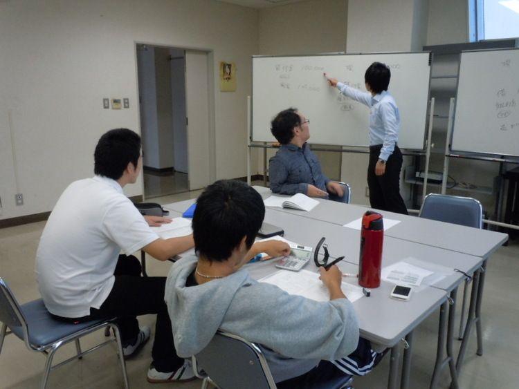 横須賀法律行政専門学校画像