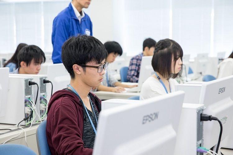 エプソン情報科学専門学校画像