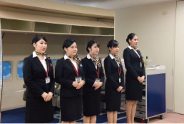 トライデント外国語・ホテル・ブライダル専門学校画像