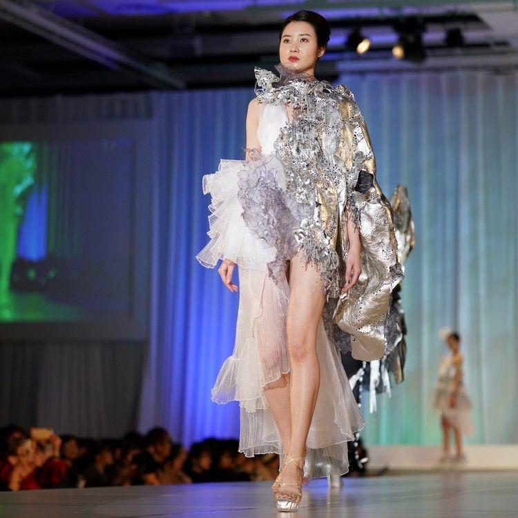 上田安子服飾専門学校画像