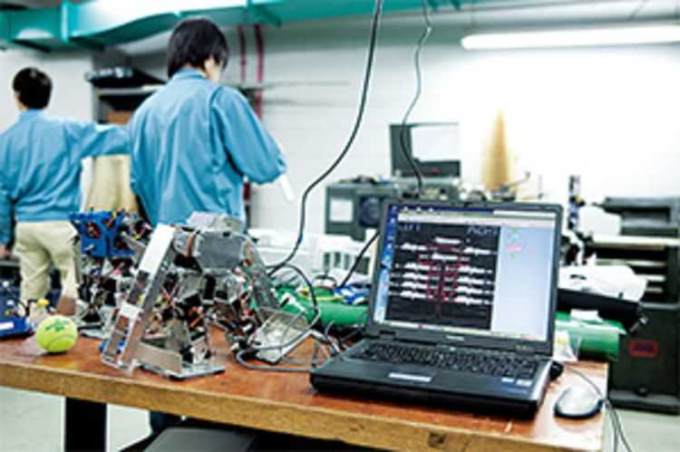 大阪工業技術専門学校画像