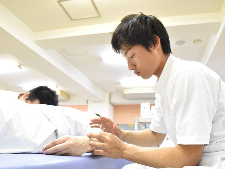 近畿医療専門学校画像