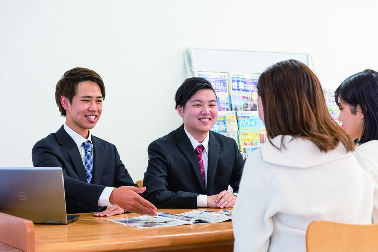 河原外語観光・製菓専門学校画像