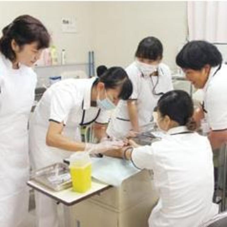 都城看護専門学校画像