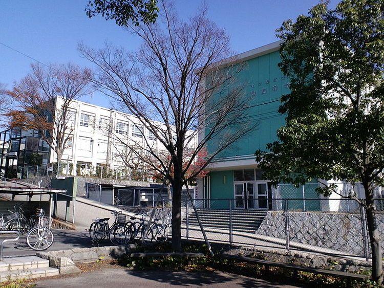 名古屋市立緑高等学校画像