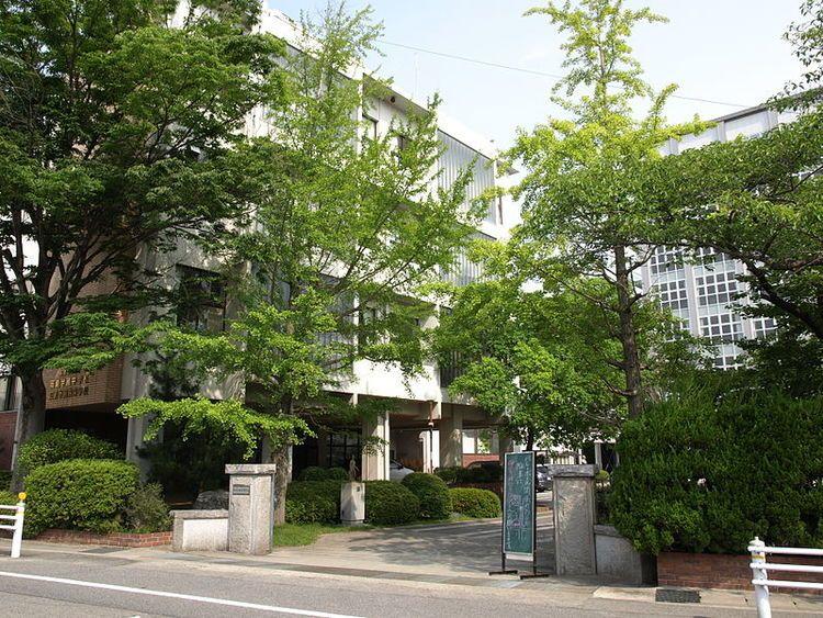 岡崎学園高等学校画像