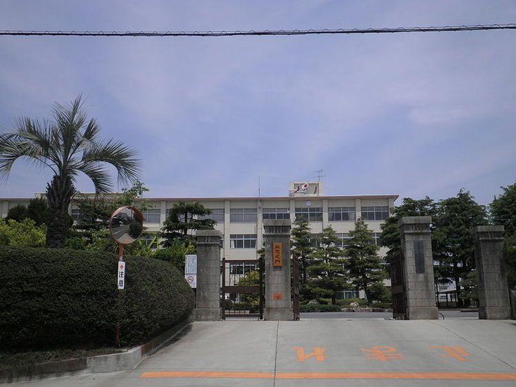鶴城丘高等学校画像