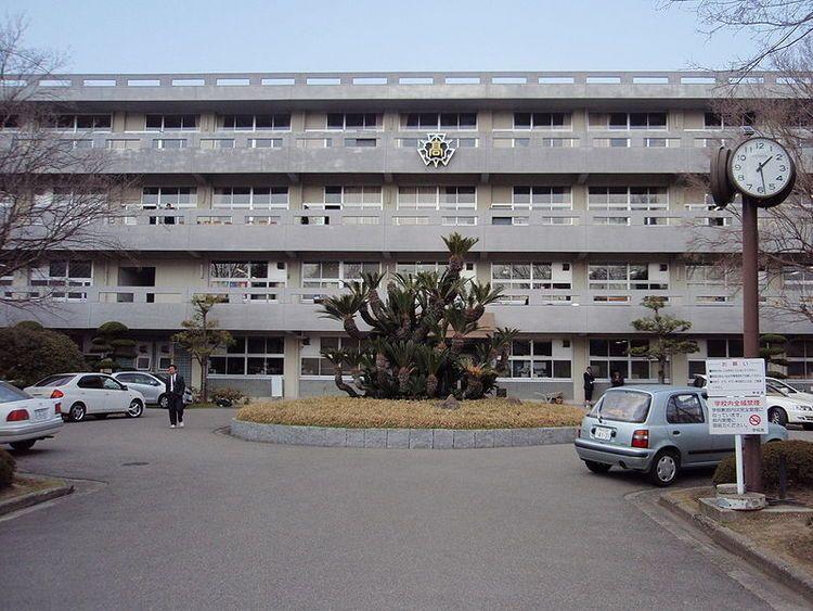 松山東高等学校画像