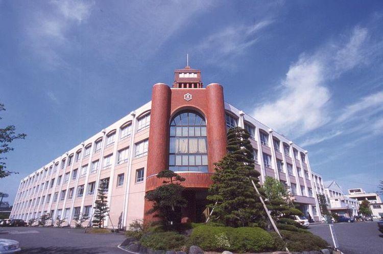 近江高等学校画像