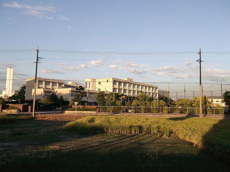 新川高等学校画像