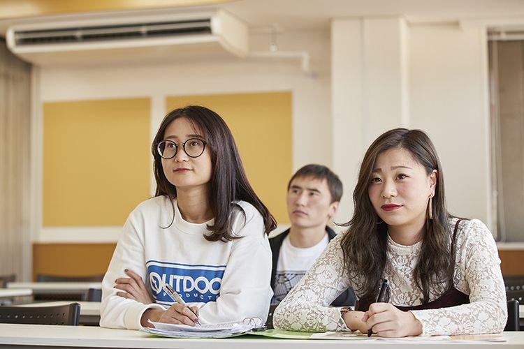 専門学校長野ビジネス外語カレッジ画像